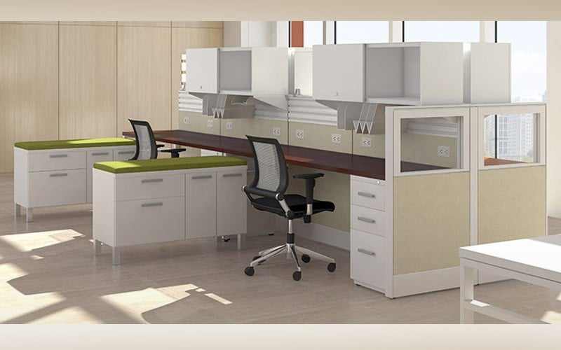 Office Workstation Desk With Partial Glass Wall Dividers