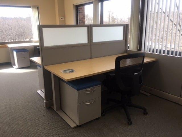 Height adjustable workstation, glassboard, Arista